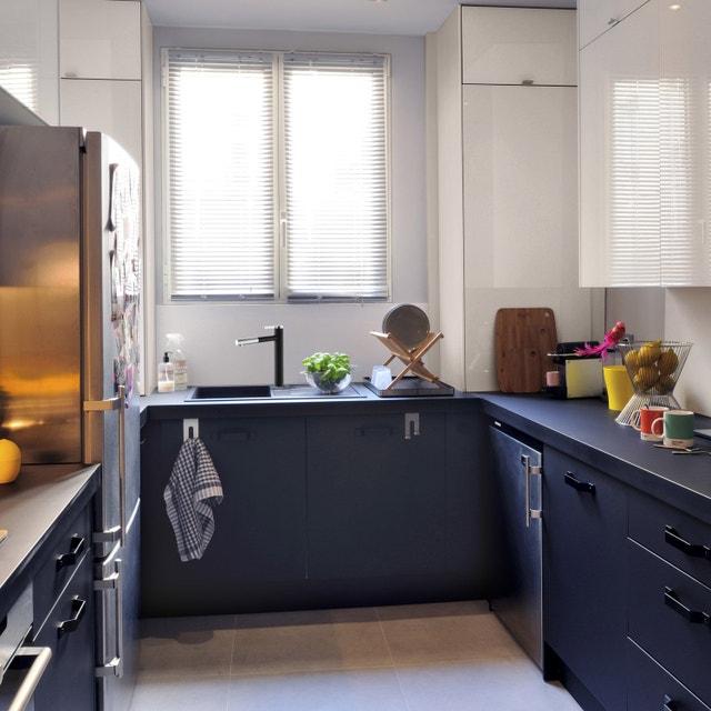 la cuisine allie bois et inox avec un ilot central facile vivre leroy merlin. Black Bedroom Furniture Sets. Home Design Ideas