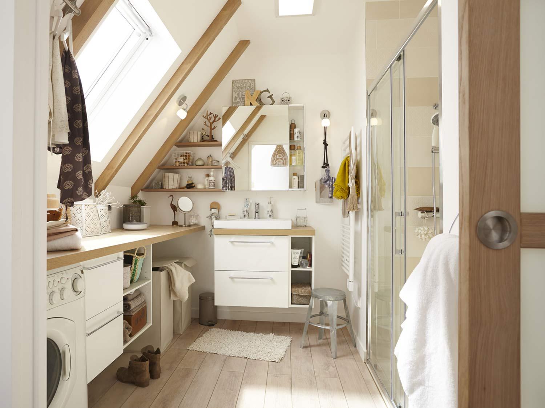 Une salle de bains sous les combles  Leroy Merlin
