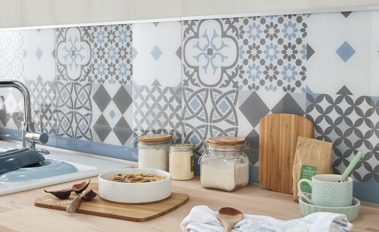 cuisine scandinave avec la cr dence et le bois du plan de. Black Bedroom Furniture Sets. Home Design Ideas