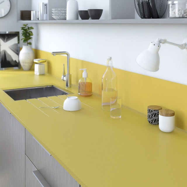 un plan de travail sur mesure verre laqu jaune anis. Black Bedroom Furniture Sets. Home Design Ideas