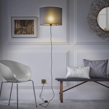 Un lampadaire original à suspendre et à brancher