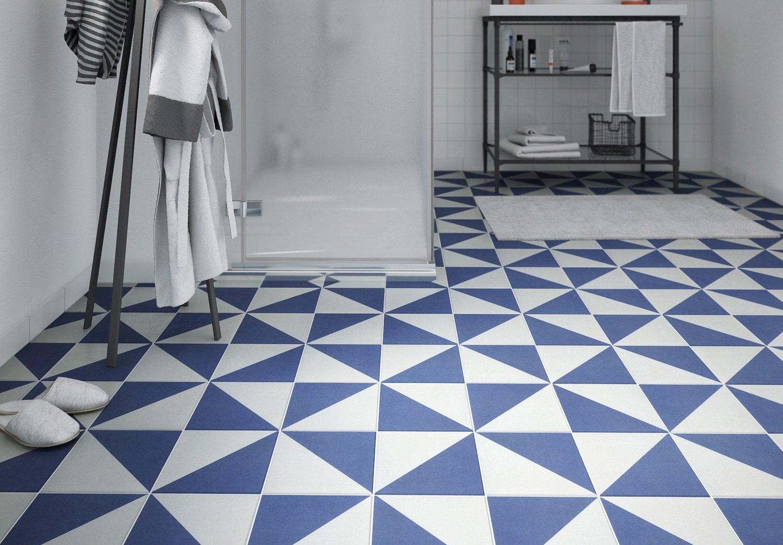 un carrelage blanc gris bleu mural pour la salle de bain leroy merlin. Black Bedroom Furniture Sets. Home Design Ideas