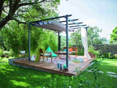 Comment créer une terrasse bois en pente ? | Leroy Merlin