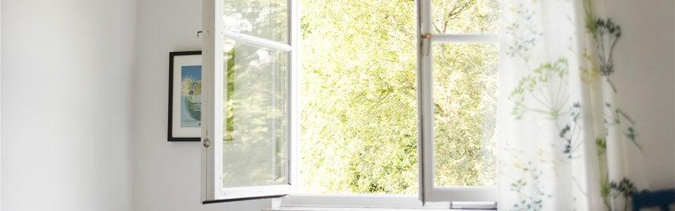 Ventanas grandes abiertas: ventilación natural