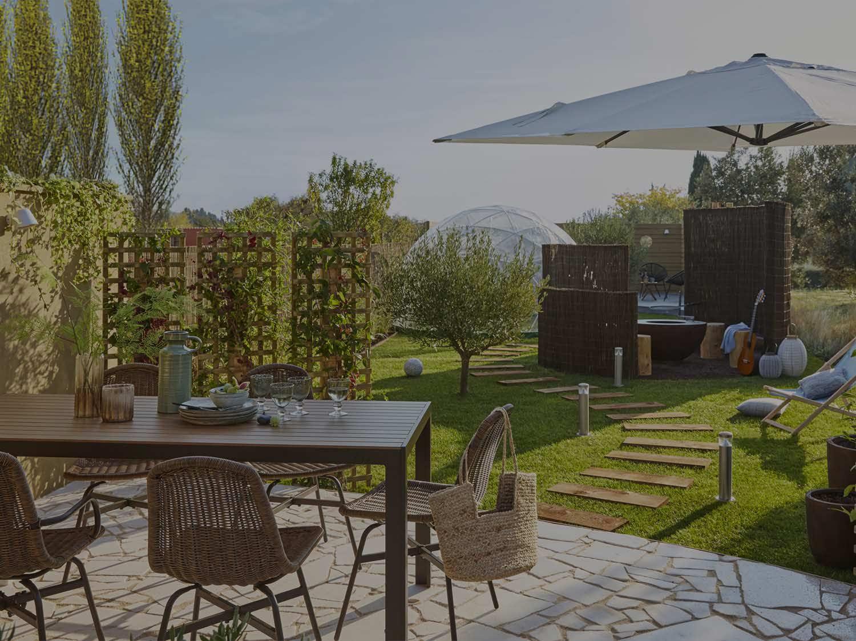 coin feu jardin un coin feu de camp pour profiter de son jardin fire outside amnagement. Black Bedroom Furniture Sets. Home Design Ideas
