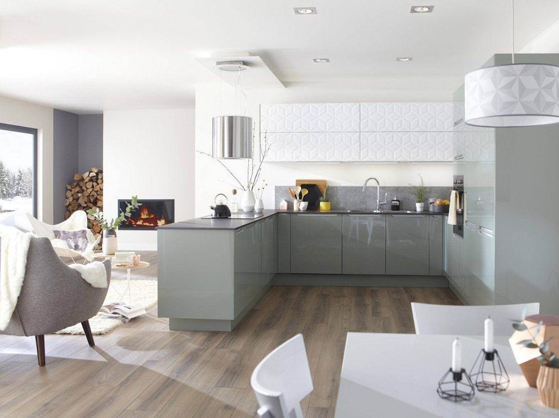 Une cuisine de 18m pour toute la famille leroy merlin - Cuisine petite et fonctionnelle ...
