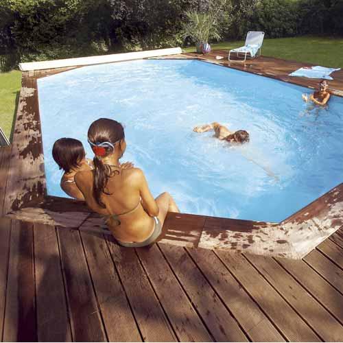 Un été au bord de la piscine
