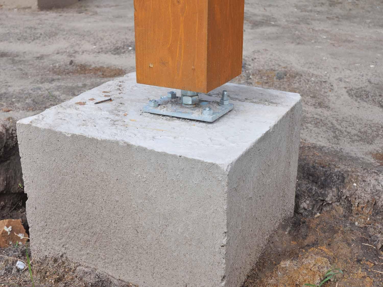 Terrasse Surélevée En Acier comment construire les plots de fondation ? | leroy merlin