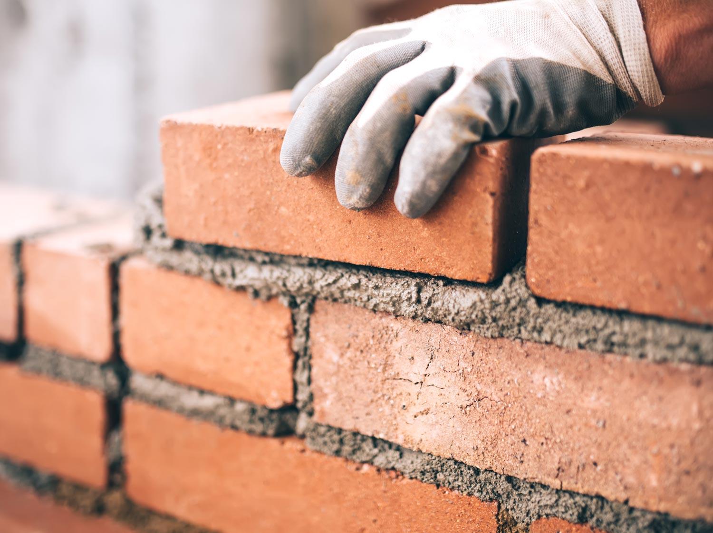 Construire un mur en briques
