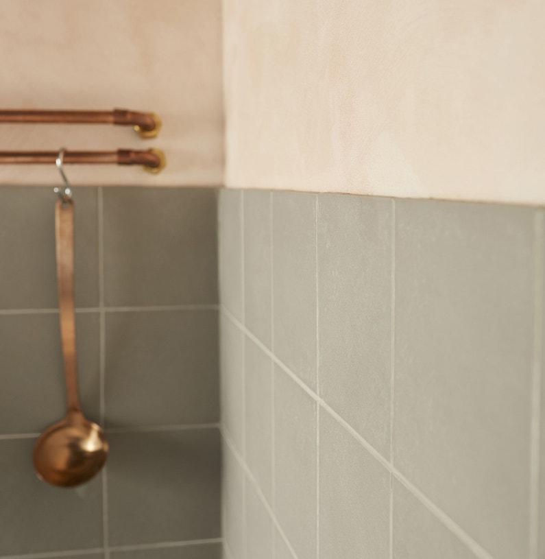 habiller les murs de la cuisine avec une peinture effet. Black Bedroom Furniture Sets. Home Design Ideas