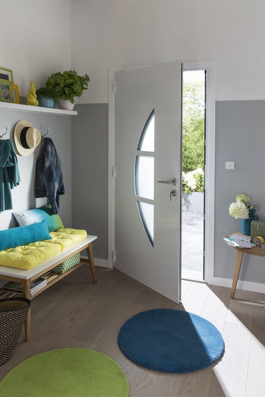 Une porte d 39 entr e en aluminium sur mesure pour votre int rieur leroy merlin - Porte d entree sur mesure ...