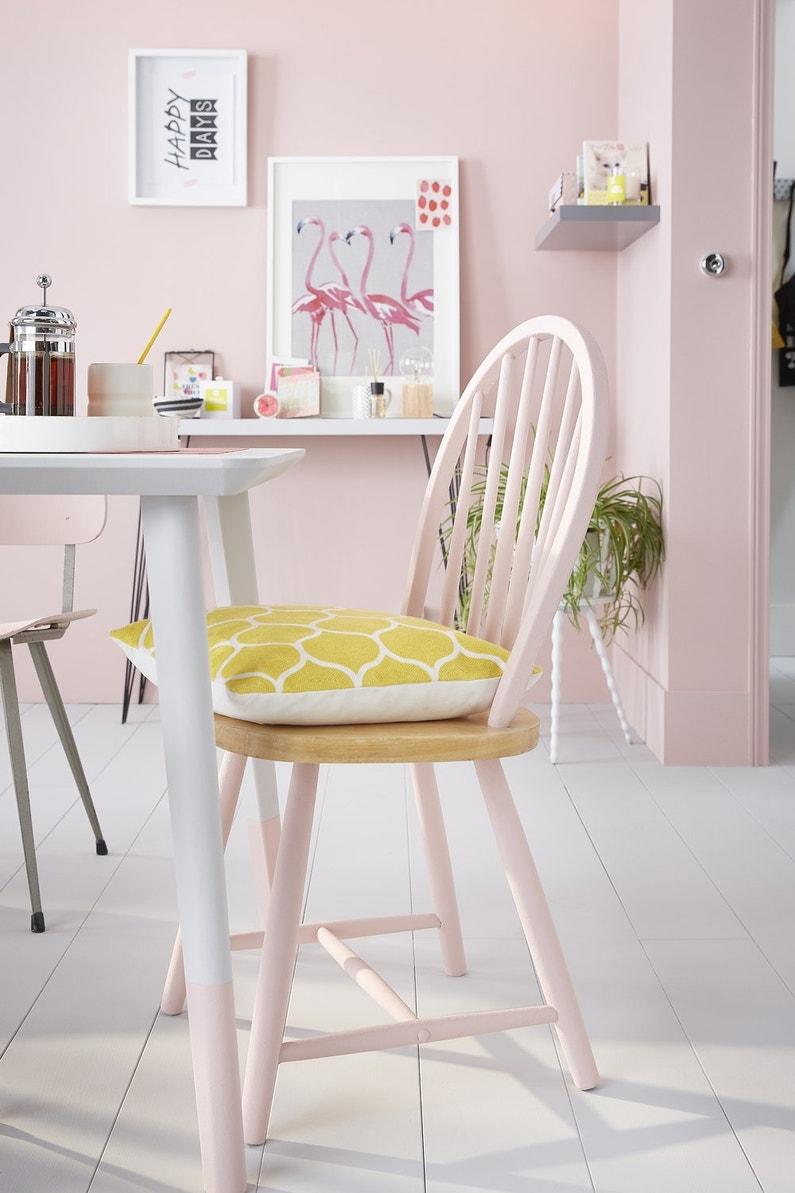 effet poudr pour cette chaise en bois leroy merlin. Black Bedroom Furniture Sets. Home Design Ideas