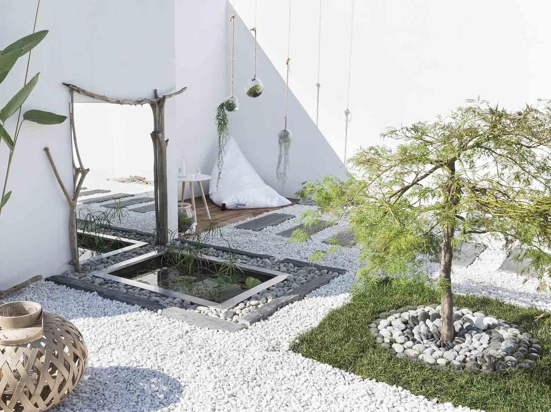 Terrasse et jardin leroy merlin for Pierre blanche pour deco jardin