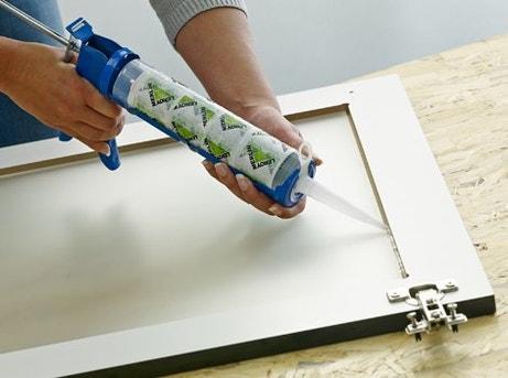 comment poser un vitrage dans un meuble de cuisine leroy merlin. Black Bedroom Furniture Sets. Home Design Ideas