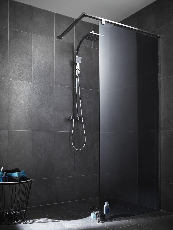 la douche s 39 habille en gris avec une paroi de verre leroy merlin. Black Bedroom Furniture Sets. Home Design Ideas