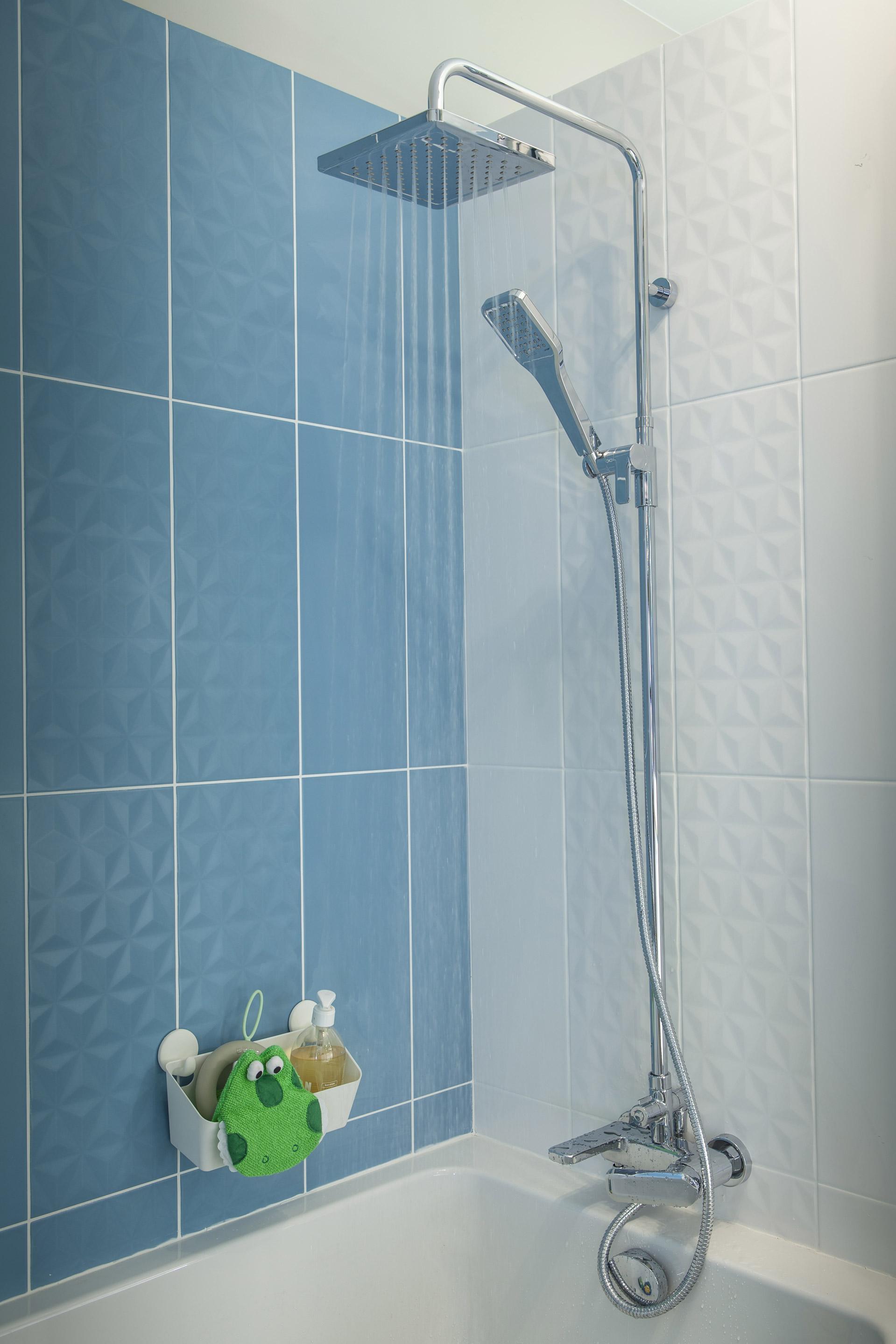 Décor mur uni bleu baltique n°3 mat l.20 x L.50.2 cm, Loft facette