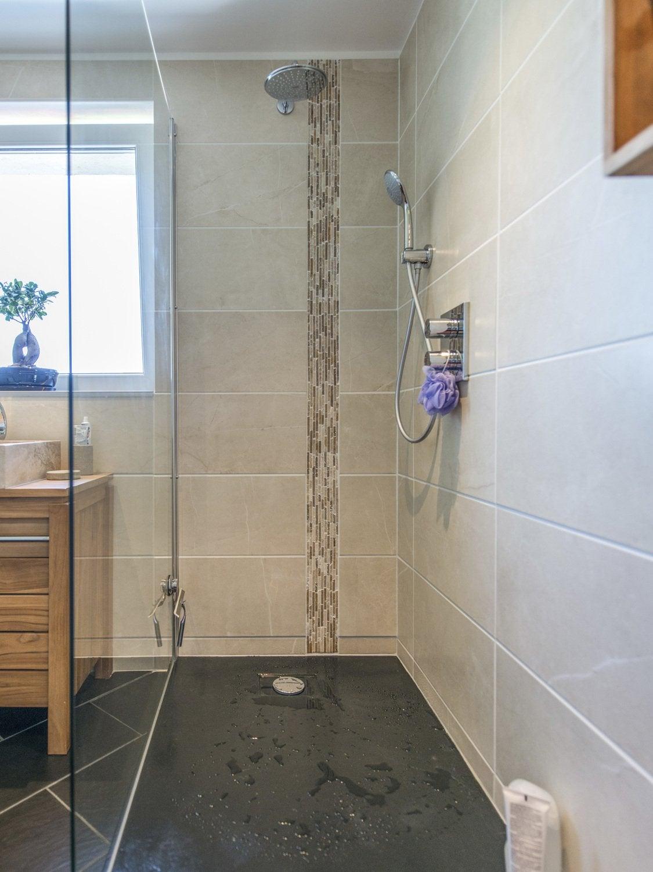 Une Douche à Lu0027italienne Pour Une Salle De Bains Moderne