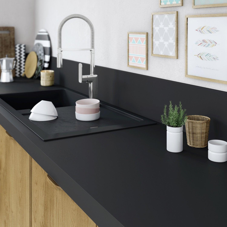 une cuisine pratique avec un plan de travail r tractable leroy merlin. Black Bedroom Furniture Sets. Home Design Ideas