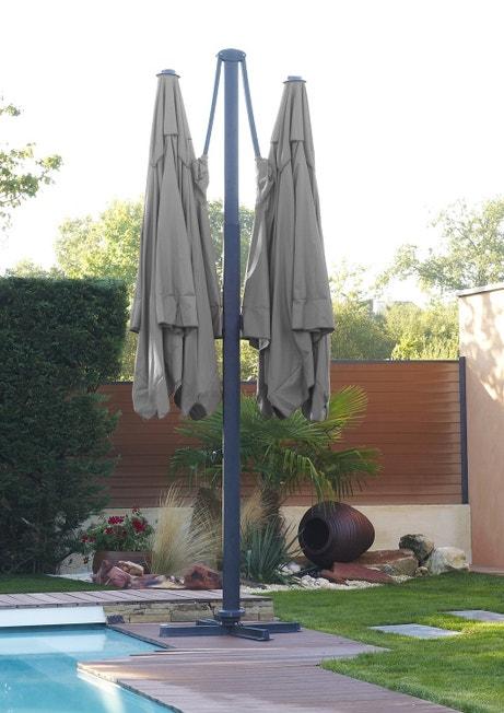 Un parasol double en aluminium et toile gris
