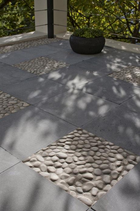 Dalles en pierre bleu gris pour la terrasse