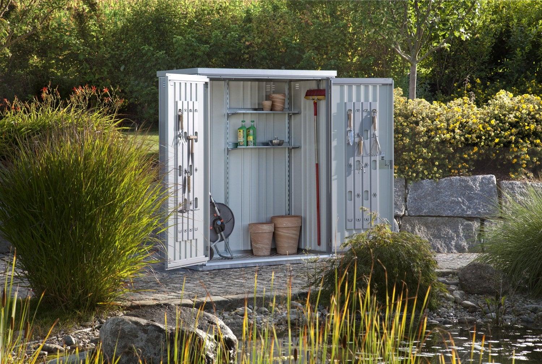 Une belle petite cabane de rangement leroy merlin for Biohort leroy merlin