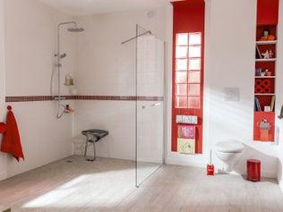 Comment installer des accessoires de salle de bains ?