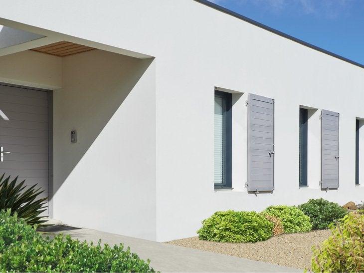 Composé de lames horizontales, votre volet apportera une touche de modernité à votre façade.