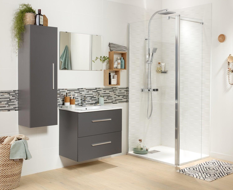 Un aménagement de salle de bains pratique, esthétique et spacieux