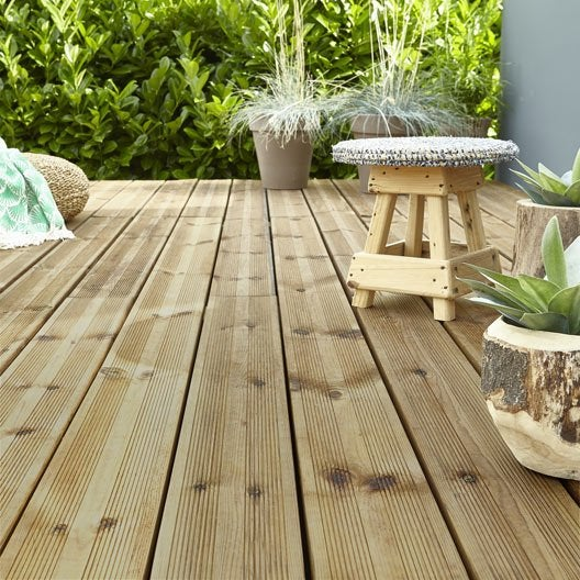 Dalle terrasse caillebotis lame terrasse planche for Planche bois exterieur