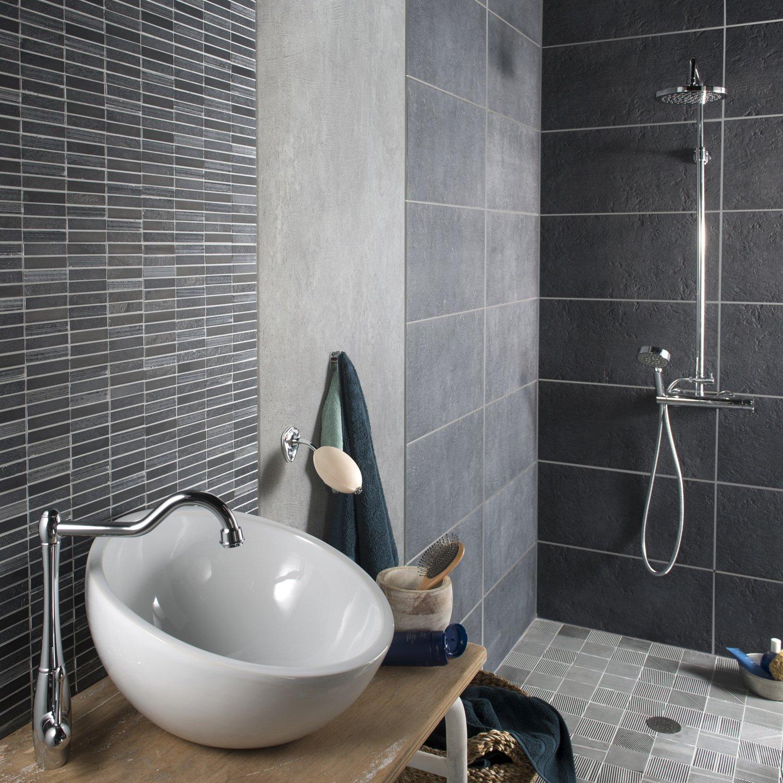 Le carrelage gris dans la salle de bains | Leroy Merlin