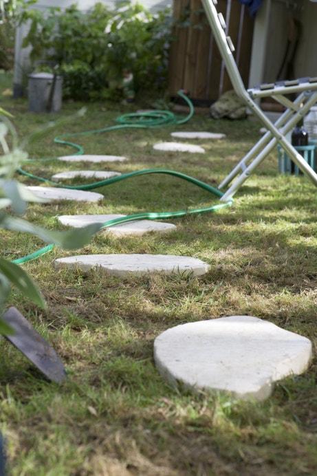 Des pas japonais dans le jardin