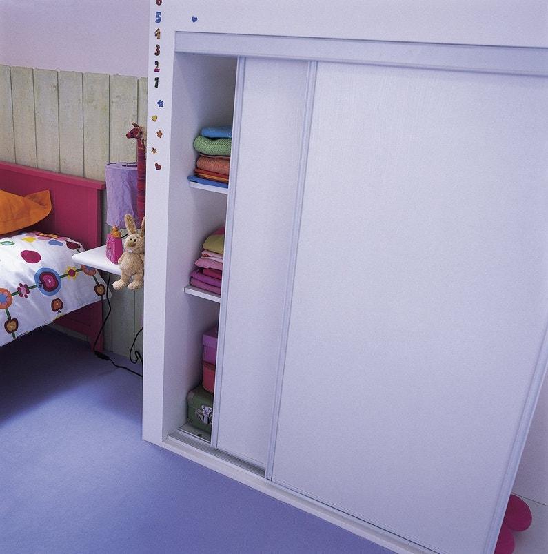 des portes coulissantes de placard leroy merlin. Black Bedroom Furniture Sets. Home Design Ideas