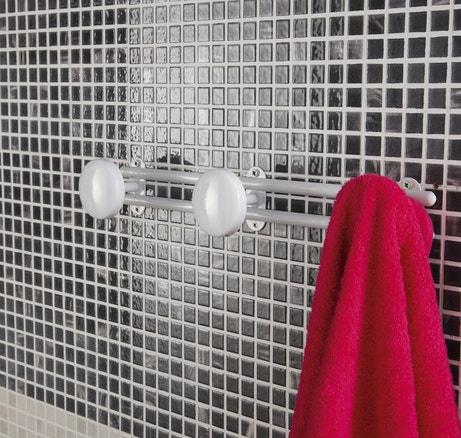 Une patère pratique pour la salle de bains