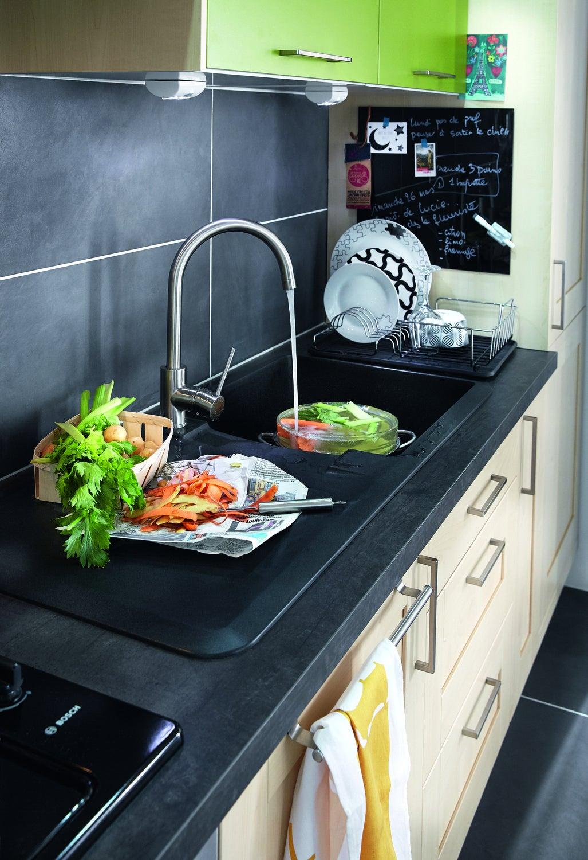 Un vier noir pour plus de style comme dans la cuisine d 39 aur lie montigny les metz leroy merlin - Leroy merlin montigny les cormeilles montigny les cormeilles ...