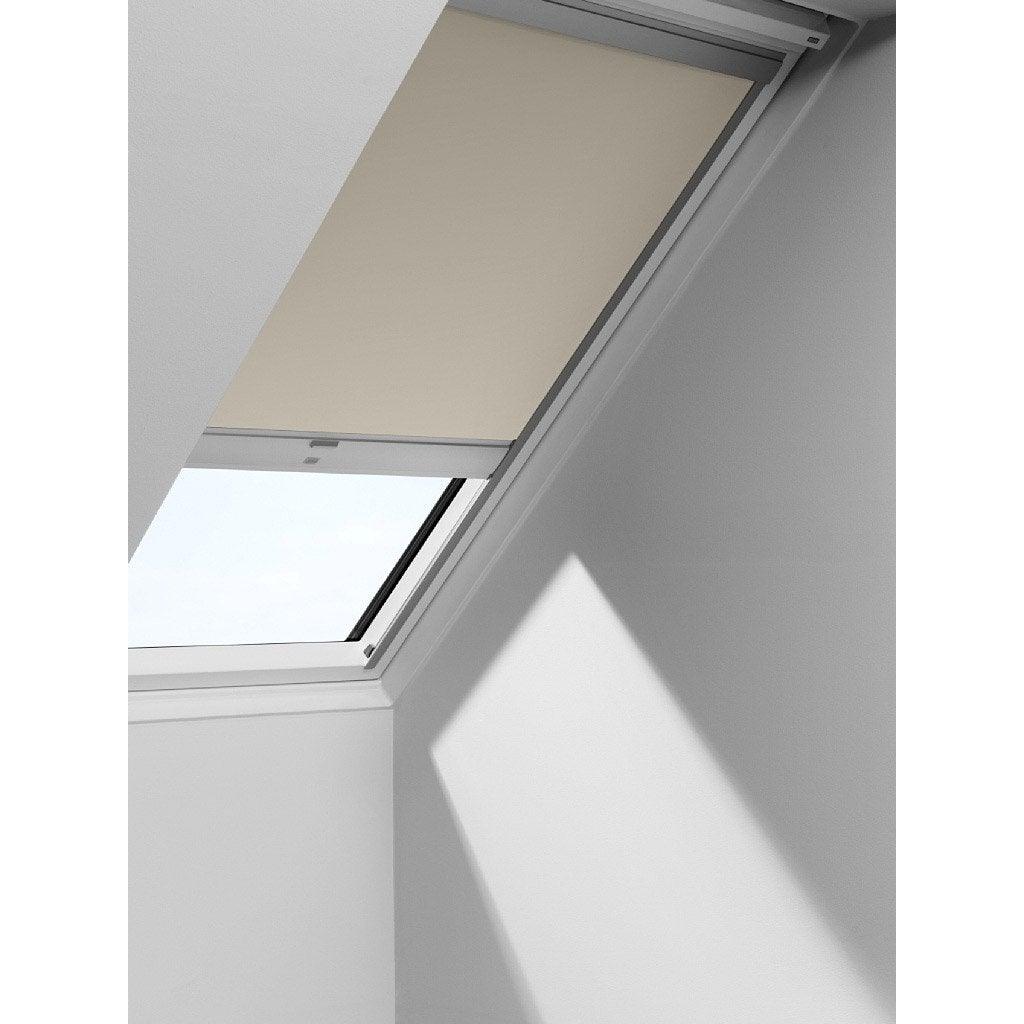store fen tre de toit occultant t l commande solaire beige velux dsl m04 leroy merlin. Black Bedroom Furniture Sets. Home Design Ideas