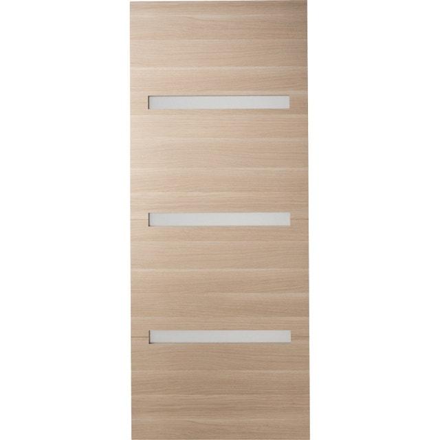 une porte coulissante pour s parer la salle de jeux de la. Black Bedroom Furniture Sets. Home Design Ideas
