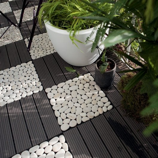 Dalle clipsable composite gris x cm x mm leroy merlin Jardin avec galets blancs