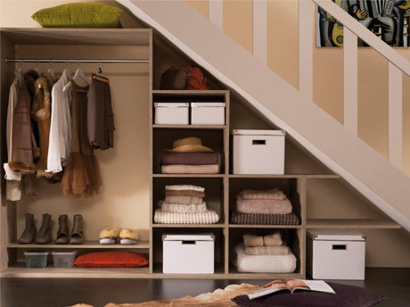 Comment cr er un dressing sous un escalier leroy merlin - Comment amenager un placard ...