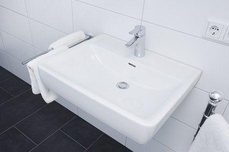 une salle de bains confortable pour tous leroy merlin. Black Bedroom Furniture Sets. Home Design Ideas