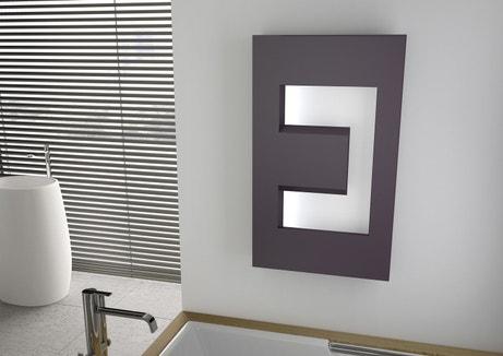 Radiateur électrique design à inertie pour la salle de bains