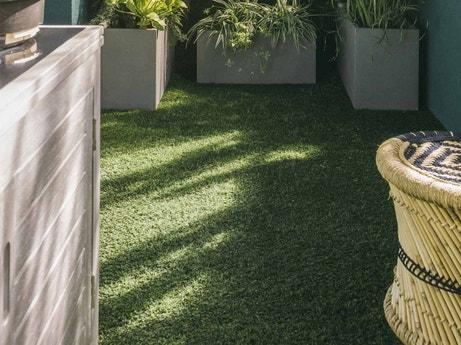 tout savoir sur l 39 am nagement de son balcon leroy merlin. Black Bedroom Furniture Sets. Home Design Ideas
