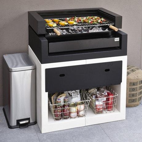 Un barbecue deisgn en béton blanc et noir