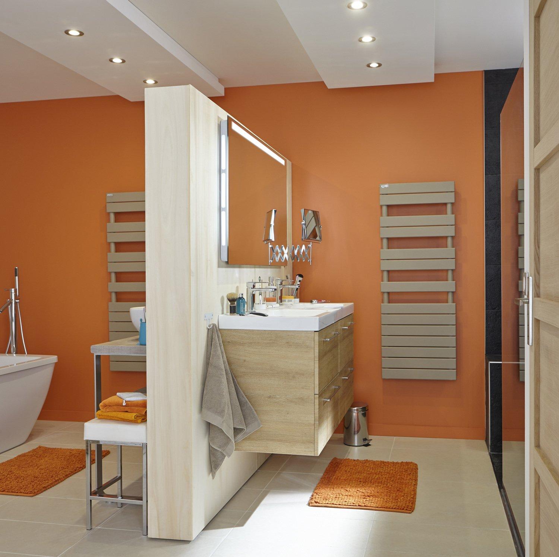 des couleurs chaudes pour votre salle de bains