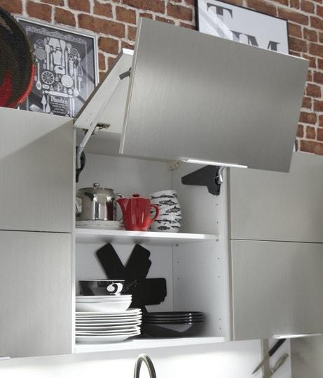 Une cuisine aspect métal et bien pensée avec son kit relevable