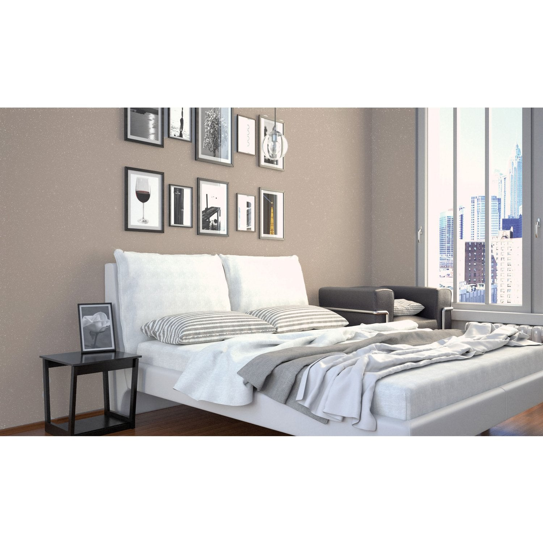 Lit de chambre un lit baldaquin habill du0027un papier for Chambre a coucher la redoute