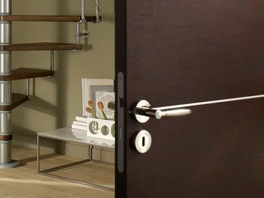 poser une serrure de porte int rieure leroy merlin. Black Bedroom Furniture Sets. Home Design Ideas