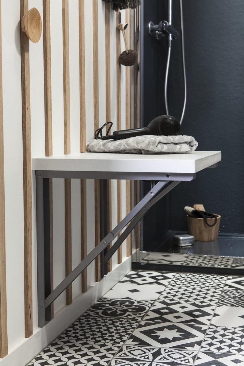 Une tablette rabattable dans votre salle de bains leroy for Tablette salle de bain leroy merlin