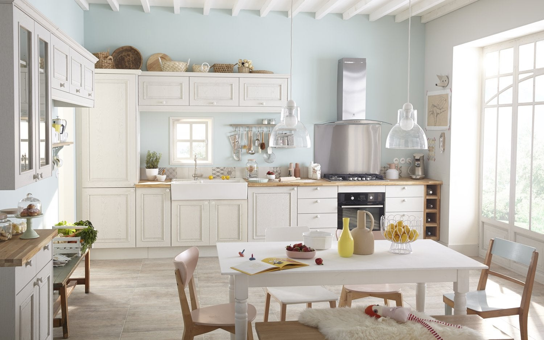 Une cuisine en chêne patiné blanc