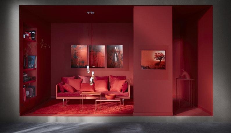 Canap coussin peinture du rouge dans le salon leroy - Peinture dans le salon ...