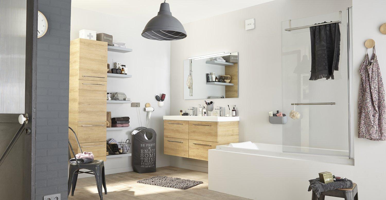 une salle de bains tout en bois et blanc leroy merlin. Black Bedroom Furniture Sets. Home Design Ideas